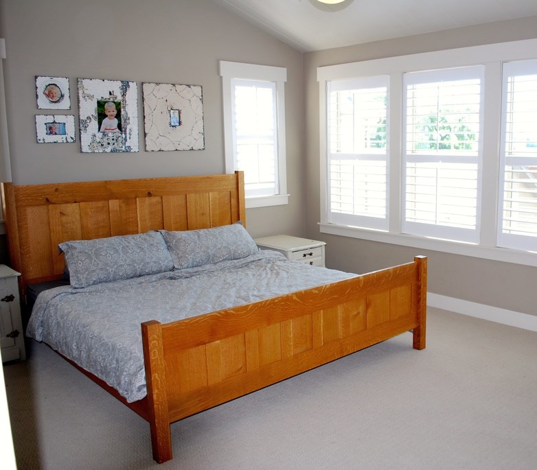 "Tiger Oak ""Craftsman"" King Bed"