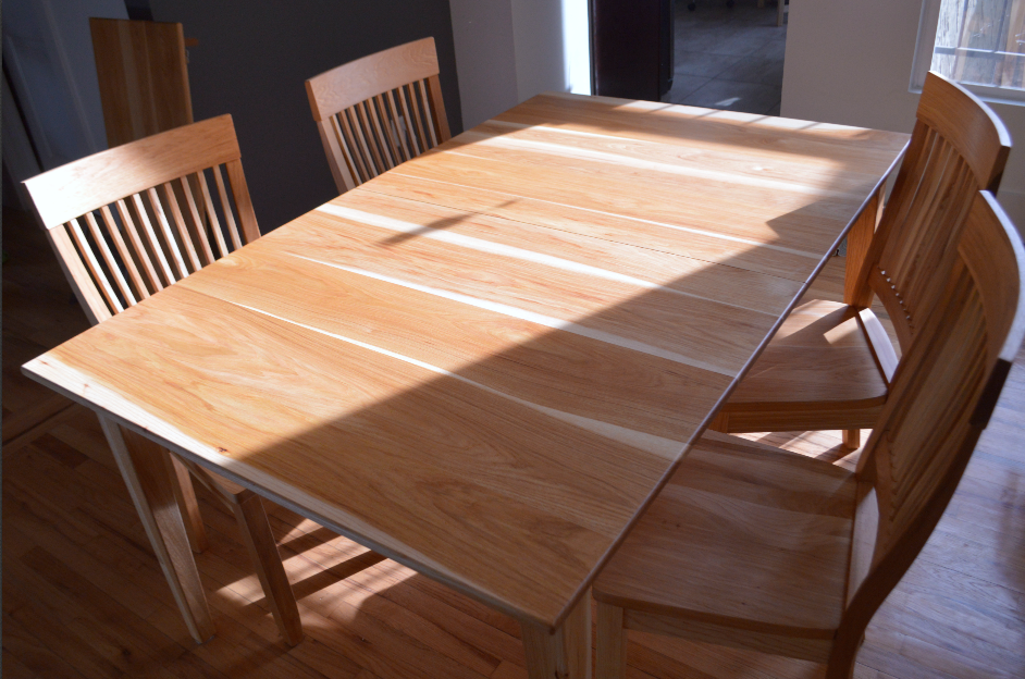 Table Hickory Prairie Hearthside Set