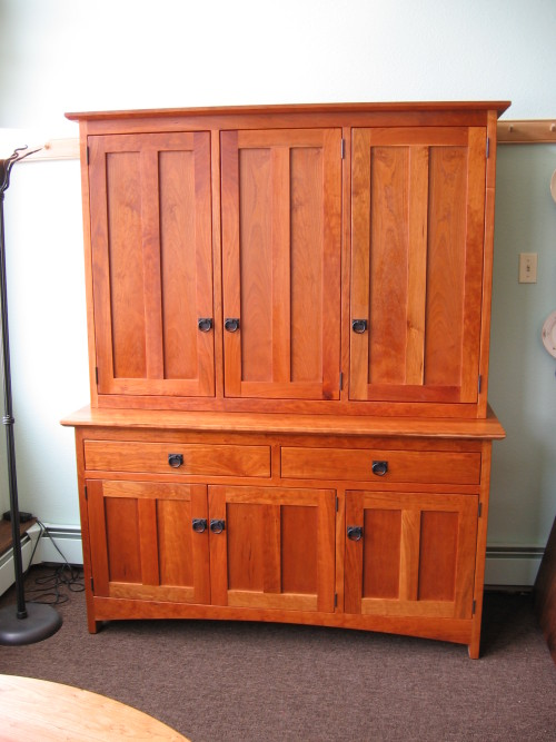 "Cherry ""Prairie"" Hutch with Full-Length Wood Doors"