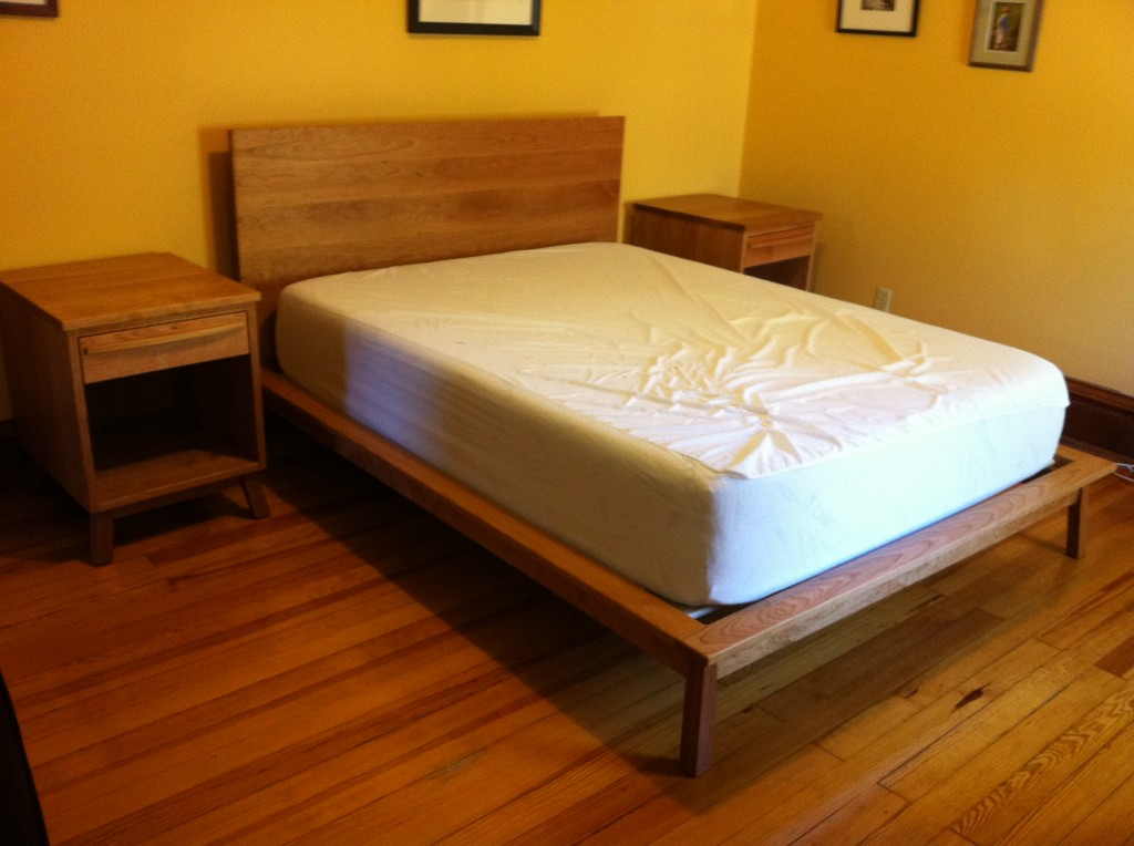 "Solid Cherry ""Mesa"" Queen Bed"