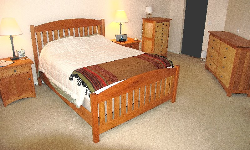 Solid Cherry Queen Slat Arch Bed