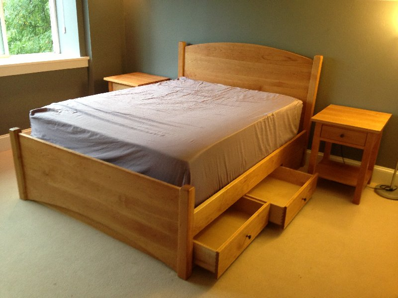 "Solid Cherry ""Solid Arch"" Queen Bed (Underbed Storage)"