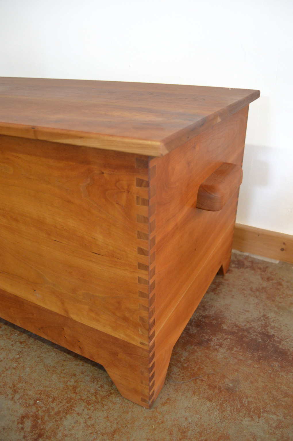 "Solid Cherry ""Prairie"" Dovetailed Trunk with Cedar Lining - 42"""